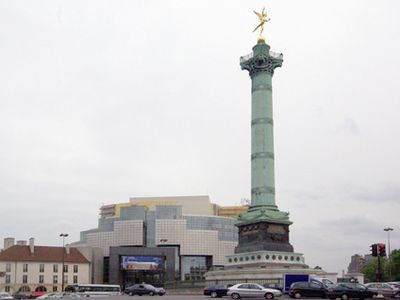 Place de la Bastille with Opera 5'