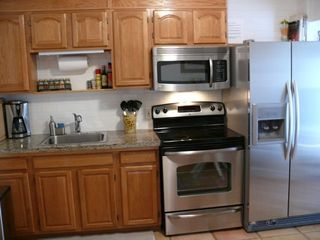 Marathon villa photo - Granite kitchen new stainless steel appliances