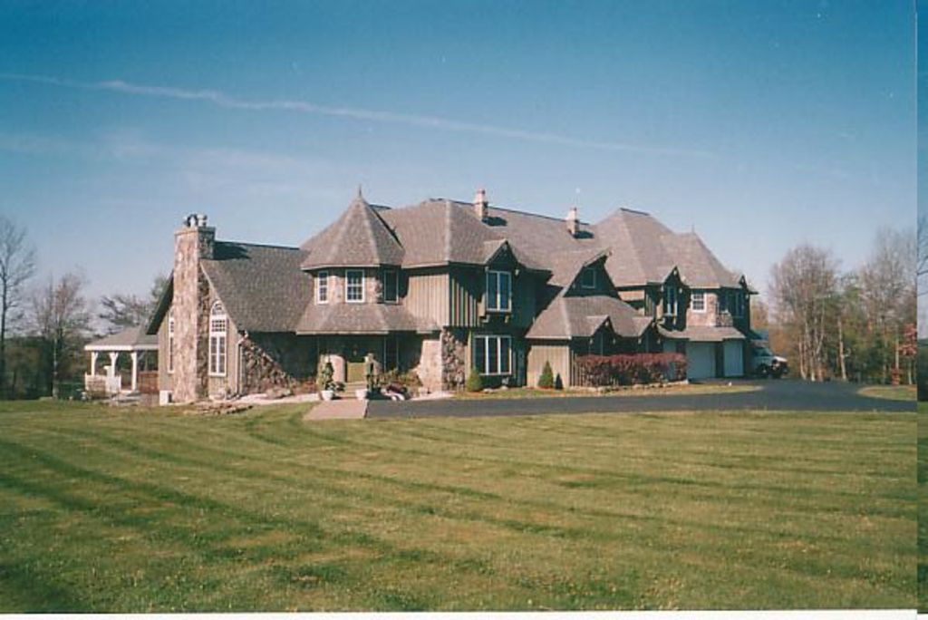 Vacation at the the majestic hill top homeaway beach lake for Vacation mansions