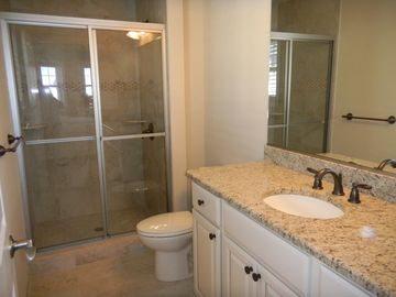 King en-suite bathroom