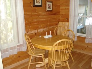 Lake Salem cottage photo - Dining area