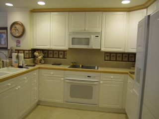 Pensacola Beach condo photo - Fully equipped kitchen