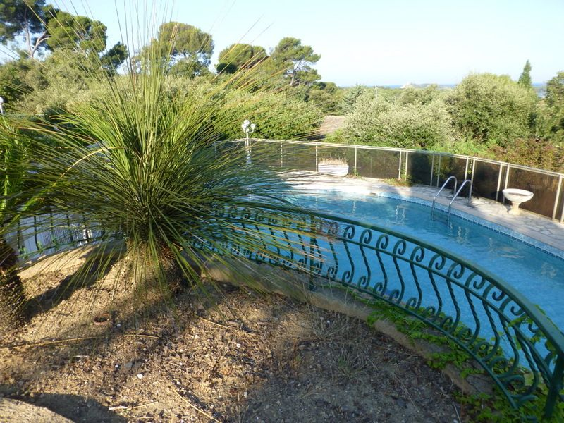 Accommodation near the beach, 200 square meters, , Le Brusc, Provence and Cote d