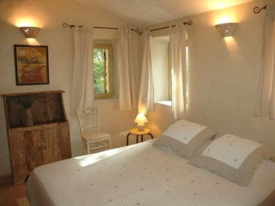 Second bedroom with lime stuccos - Vacation rental in Luberon, Provence