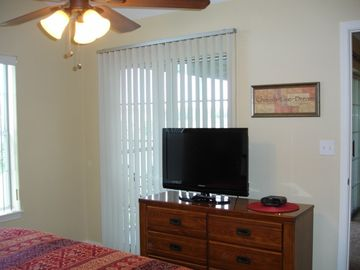 Relax & Enjoy The 32' Flat Screen TV!