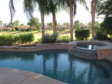 Rancho Mirage house rental - Pool and jacuzzi overlooking the 16th fairway of the Gary Player golf course