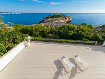 Exclusive modern luxury apartment with direct sea access, private pool. WIFI