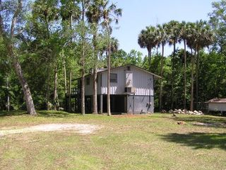 Steinhatchee cabin photo - Cabin View from Driveway -- Peaceful & Relaxing!
