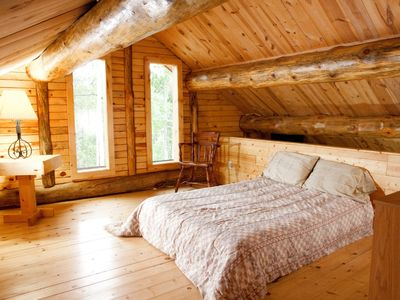 Deadwood cabin rental - Loft bedroom