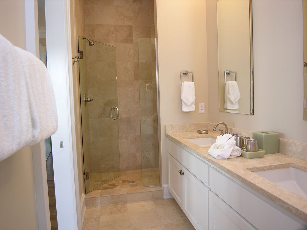 Back King Master Bathroom With