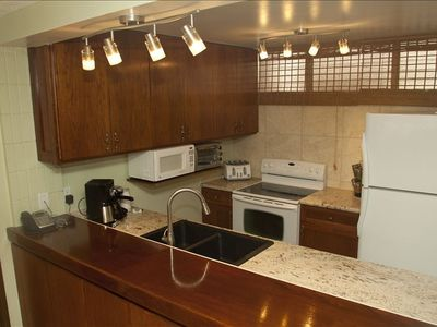 Full Kitchen with Dishwasher: Granite Coutertops