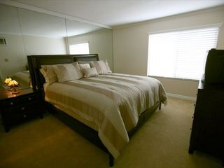 San Diego condo photo - Quality queen mattress with TV