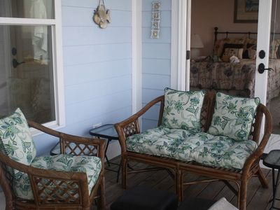 Ocean Springs house rental - Comfortable seating for reading or relaxing, listen to the sounds of the water.