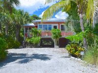 Victoria Cottage,  Charming 2 bedrooms, Just Steps to the Beach