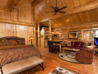 Jackson Hole lodge photo - Master suite with sitting area, wetbar and queen pullout bed in couch.