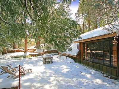 Lake arrowhead romantic mountain cottage vacation rental for Cabins in lake arrowhead ca