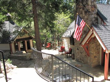 Lake Arrowhead cottage rental - Beautifully Restored Vintage Cottage with ample outside entertainment space