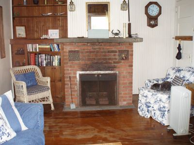 Old Lyme cottage rental - Living room (Side A)