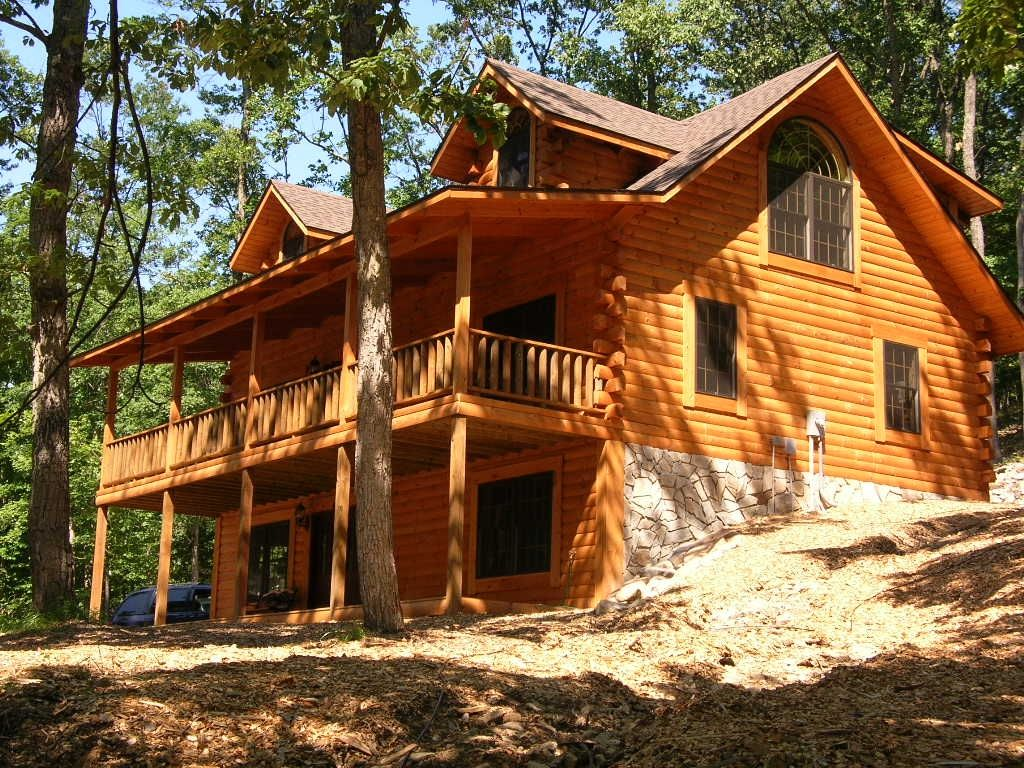Charming log vacation home nestled in homeaway for Vacation log homes
