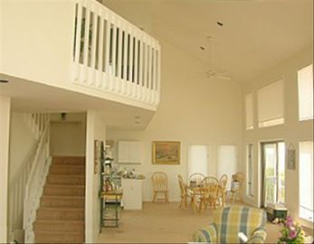Harbor Island house rental - Living & Dining Area With Cathedral Ceilings