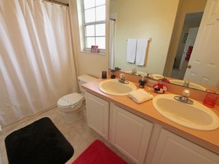 Rolling Hills house photo - The Jack and Jill Bathroom is shared by the Mickey and Minnie Bedrooms!
