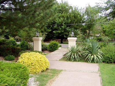Sedona house rental - Front Walk to Mailbox