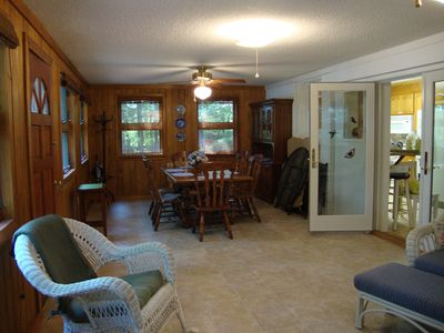 Sunroom to kitchen area