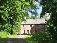 Beautiful self-catering cottages surrounded by tranquil woodlands Sleep 4 -12