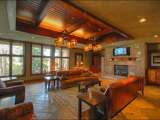 Breckenridge condo photo - On-Site Fireside Lounge
