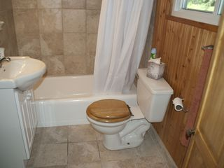 Howard Lake cabin photo - Bathroom