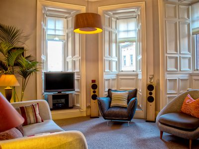 Fantastic, spacious apartment in the heart of Glasgow.