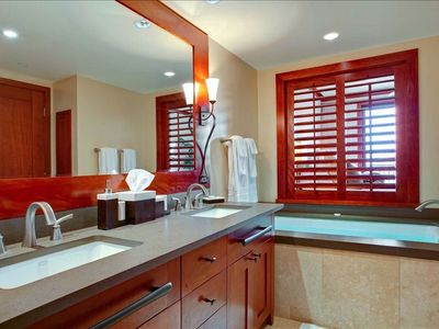 Ko Olina villa rental - Luxury Master Bath with oversize soaking tub and separate walk in rain shower.