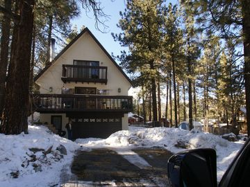 Wrightwood cabin rental - Wintertime view of the All Pine Inn