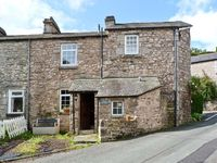 CRAGG COTTAGE, family friendly, with a garden in Lindale, Ref 18424