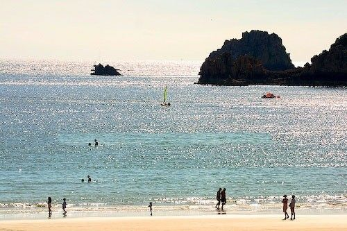 Self-catering St. Brelade's Bay just 30 metres from the beach