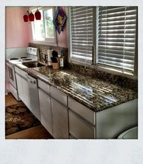 Fort Myers Beach cottage photo - New granite kitchen countertops!