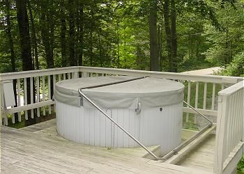 Large hot tub on the deck