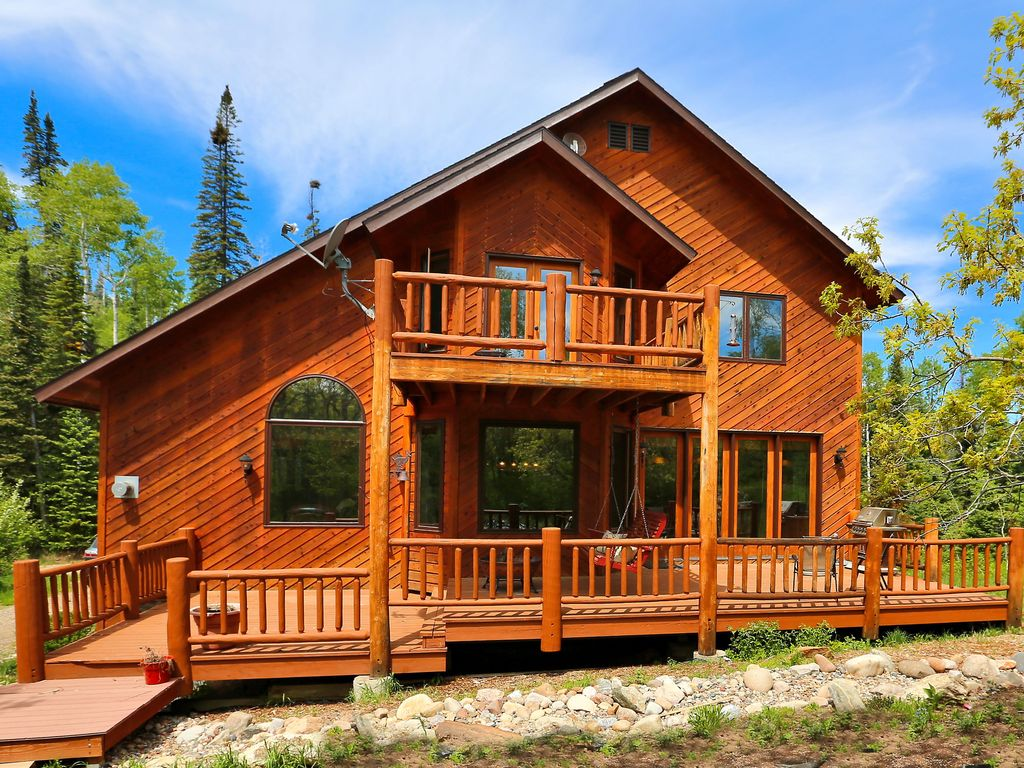 Six bedroom cabin in the woods high above vrbo for Steamboat springs cabins for rent