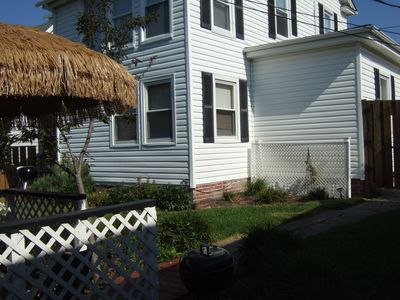 Virginia Beach cottage rental - left side of deck looking at main house