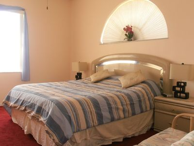 Lindfields villa rental - master bed