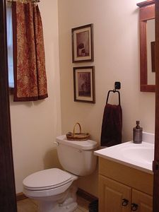 Londonderry house rental - Half bath