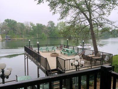 LARGE LIGHTED DECK OVERLOOKING THE GUADALUPE RIVER/LOWER DECK BELOW FOR FISHING