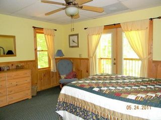 Morganton cabin photo - Queen Bed.