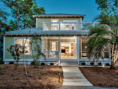 Gorgeous Tranquil Gem - Newly Renovated with Two Cal-King Suites!