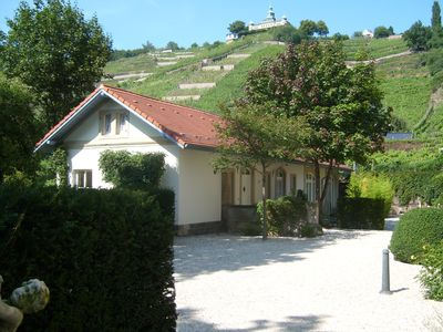 Top location in the vineyards - quietly located in the carriage house of Villa Jordan