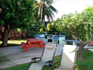 Kihei cottage photo - Close up of BBQ area.