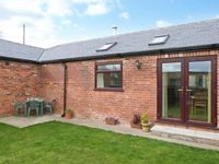 1 PINES FARM COTTAGES, family friendly in Tadcaster, Ref 4456