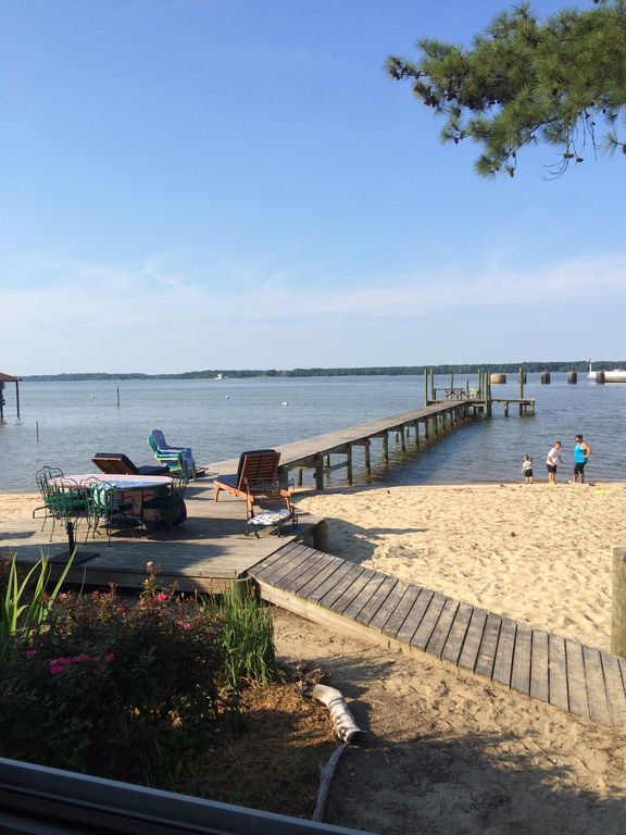 Fabulous River Cottage With Pier on James River - Williamsburg-Jamestown  Area