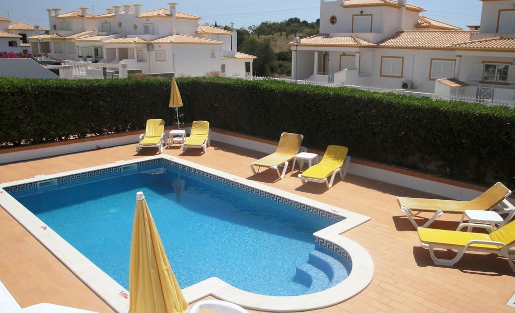 Air-conditioned house, close to the beach , Correeira, Faro