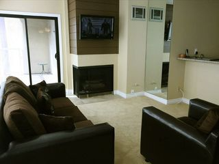 San Diego condo photo - Sofa-sleeper, gas fireplace, flat screen TV ( coff